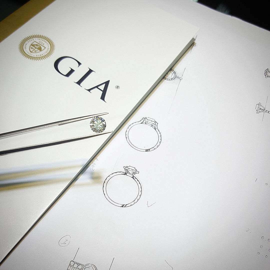 Custom made Engagement Diamond Ring