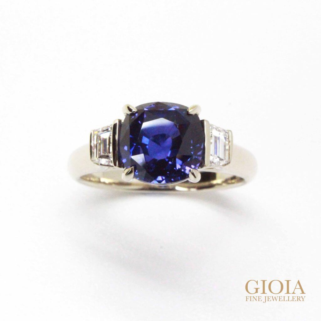 Colour Change Sapphire Ring - Deep blue sapphire with colour change to purple. Unique coloured gemstone | Local Singapore Custom made Jeweller