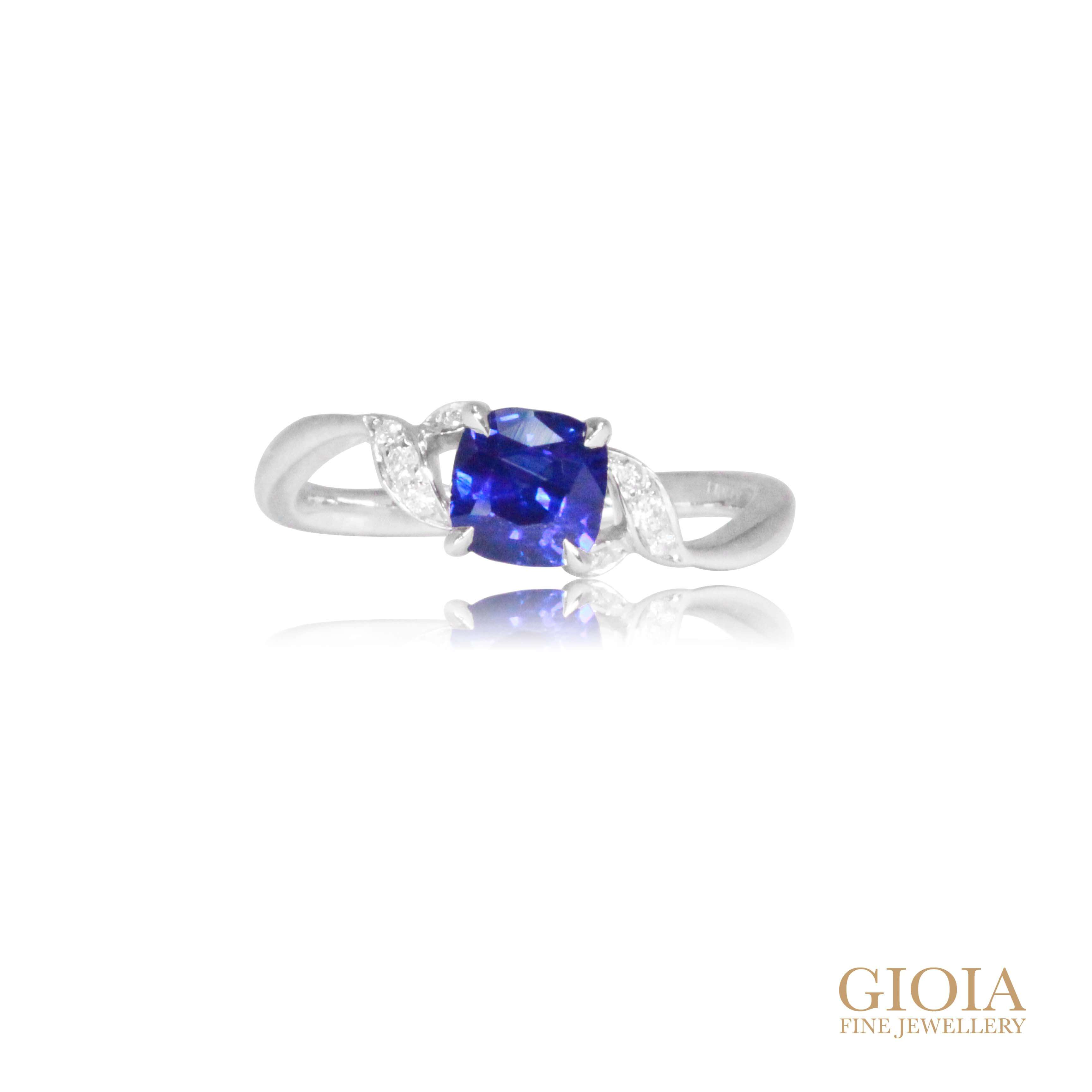 Cornflower Blue Sapphire Engagement Ring for wedding proposal | Local Singapore custom made Jeweller