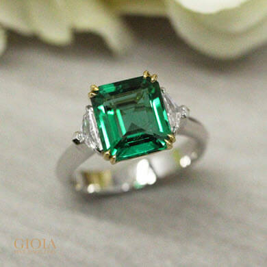 No oil emerald gemstone - customised with yellow and white gold ring | Vivid green Emerald origin from Zambian, range of unique and rare vivid green emeralds from Zambian, Colombian, Ethiopian; no oil, minor oil and insignificant oil | local Singapore trusted Designer Jeweller