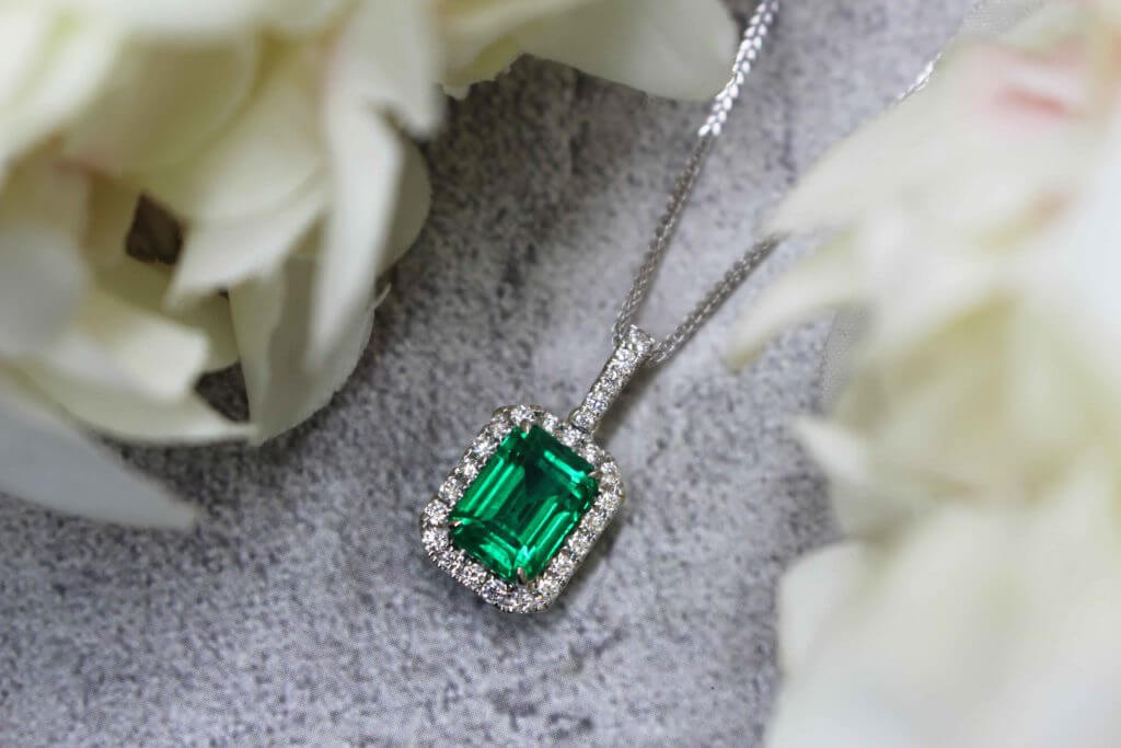 customised emerald gemstone pendant | Bespoke custom made local Singapore Designer Private Jeweller in customised fine jewellery and customised engagement ring for wedding proposal