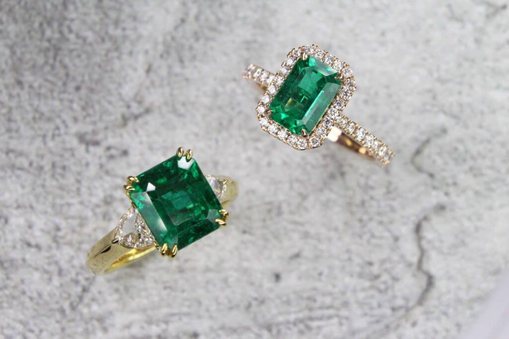 Customised Emerald Rings - wedding proposal with coloured gemstone and wedding jewellery | Local Singapore Private bespoke jewellery in customised jewellery