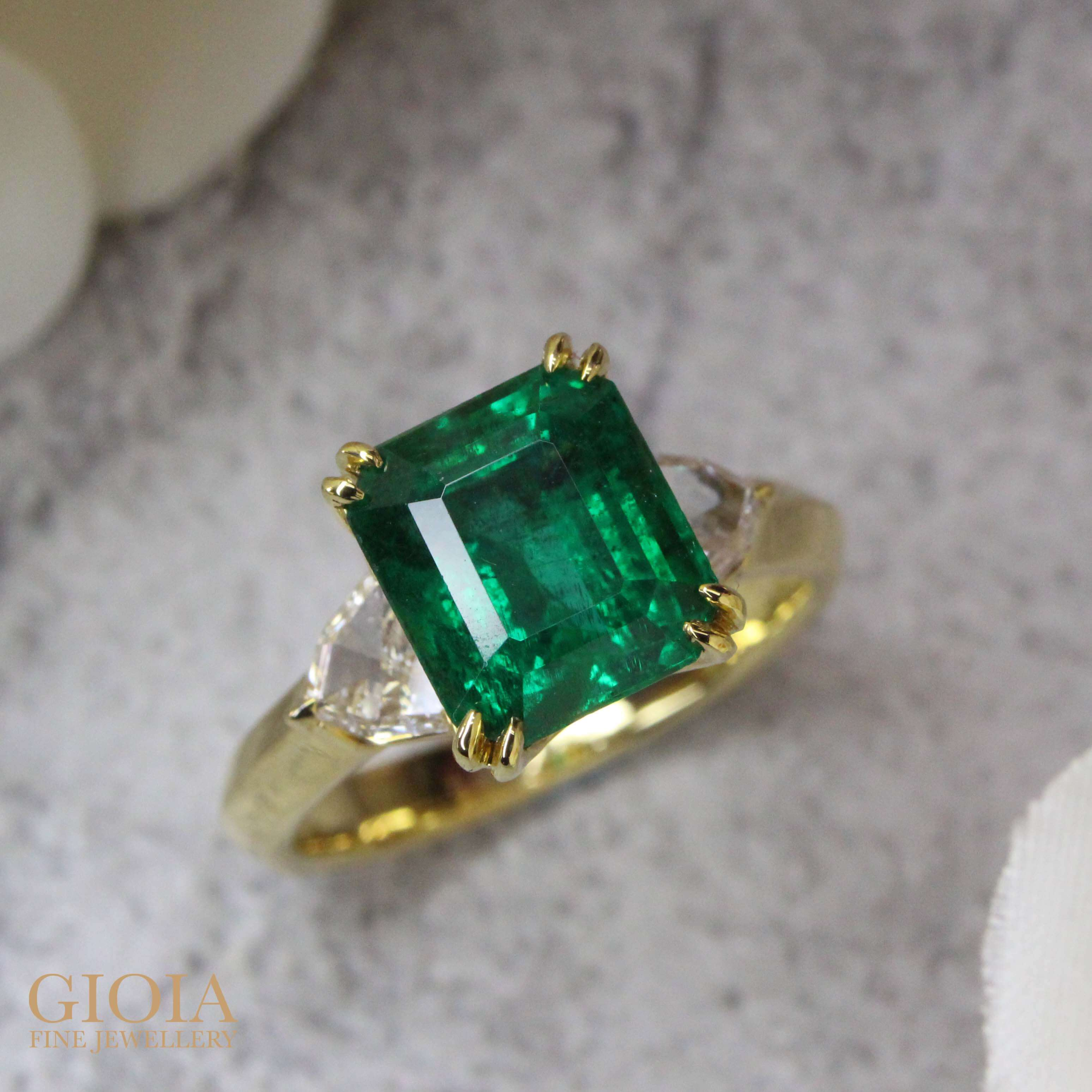 Emerald Proposal Engagement Ring, custom made with minor oil emerald gemstone, customised engagement ring for wedding proposal | Local bespoke Singapore private jeweller