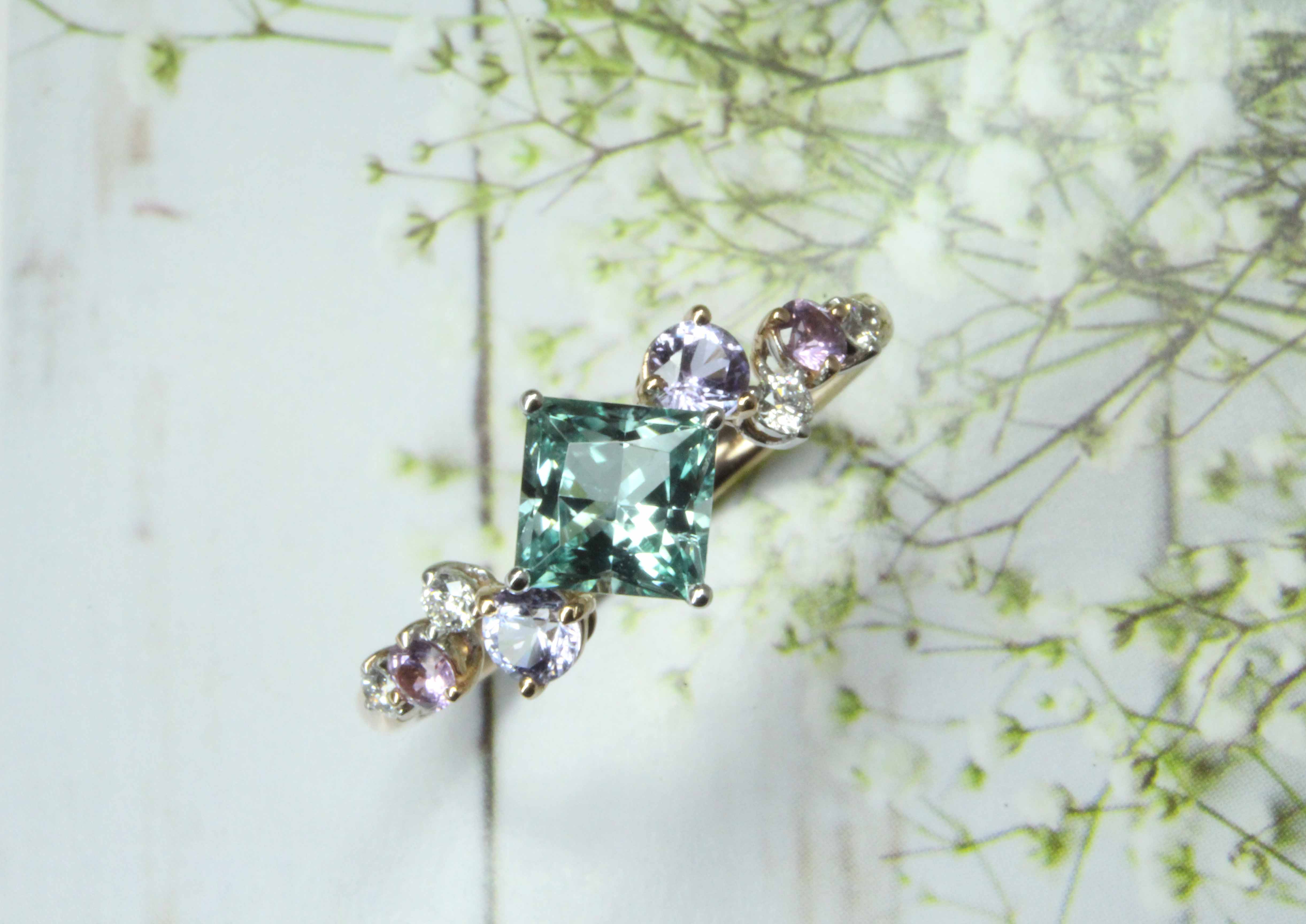 Green Tourmaline Proposal Ring, customised with spinel and sapphire gemstone. Unique engagement ring customised for proposal | Local Singapore Customised Jeweller in wedding jewellery