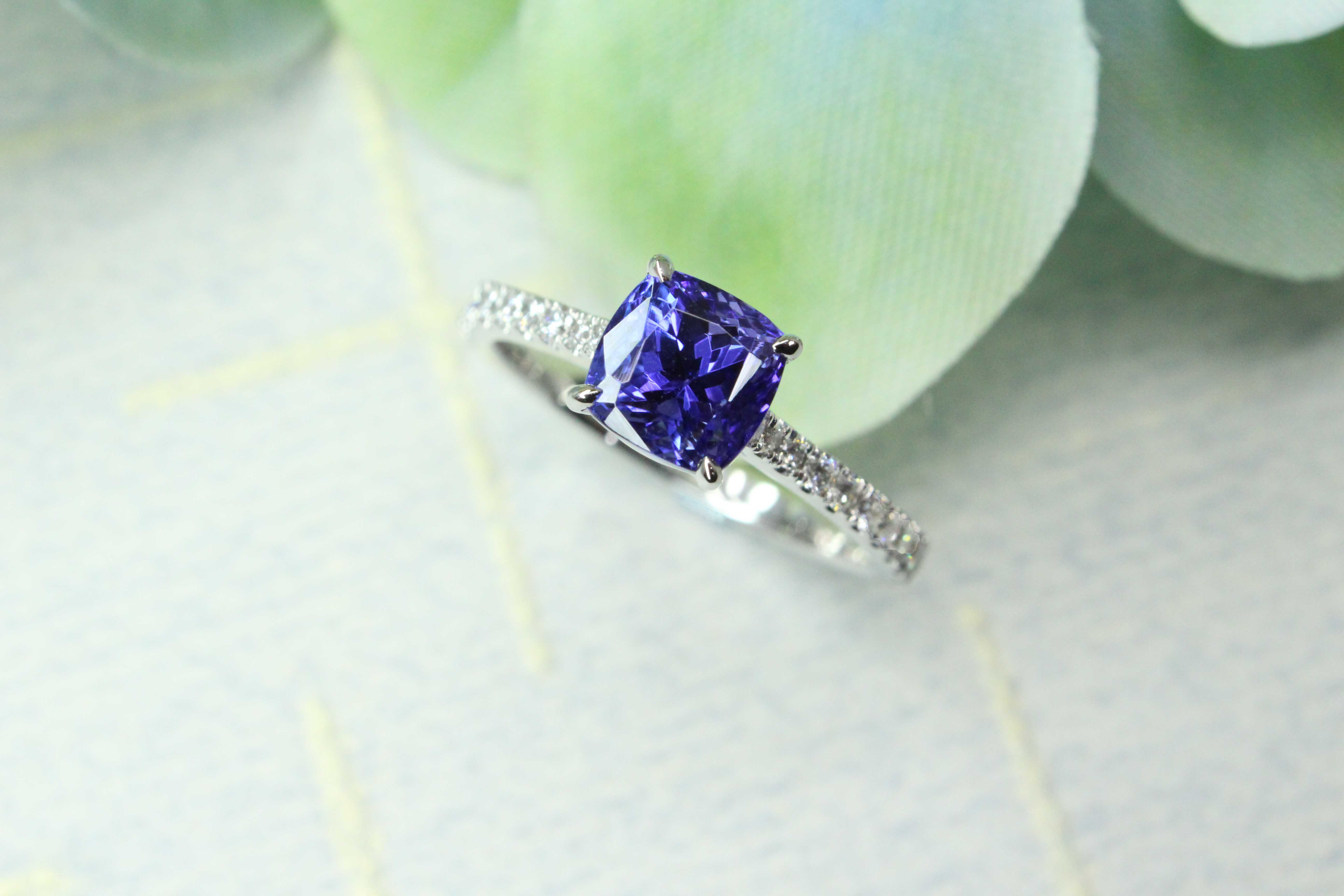 Tanzanite proposal Ring customised with tanzanite coloured gemstone for wedding proposal | Local Singapore Jeweller in customised wedding jewellery