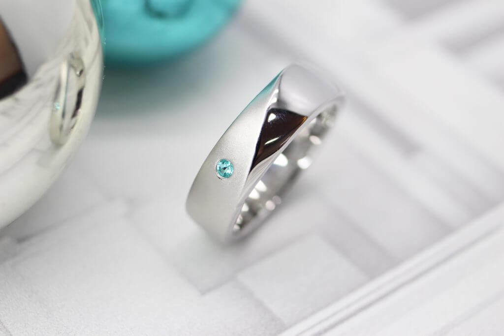 Bespoke Paraiba Tourmaline from Brazil customised in Platinum Ring as Christmas gift, Handcrafted in a glossy polished platinum ring - Customised Christmas Jewellery Gift with an extraordinary designed bespoke ring make this Christmas a unique and one-of-a-kind with Bespoke Jewellery at GIOIA Fine Jewellery Singapore