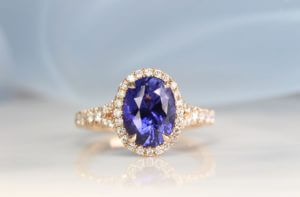 Sapphire with Colour change without heat enhancement set with