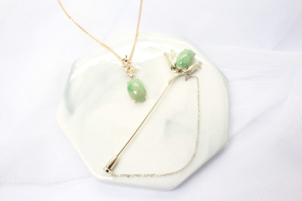 Customised Wedding Jewellery with Heirloom Jade Jewellery in Natural White Gold, Customised Jade pendant and label Pin | Local Singapore Jeweller in Bespoke Customised Wedding Jewellery