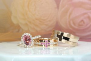 Gemstone Wedding Rings with spinel and diamond, customised from sketch design to handcrafted design. Customised your wedding bands with diamond and spinel gemstone | Local Singapore Jeweller in customised wedding jewellery, wedding ring and wedding bands