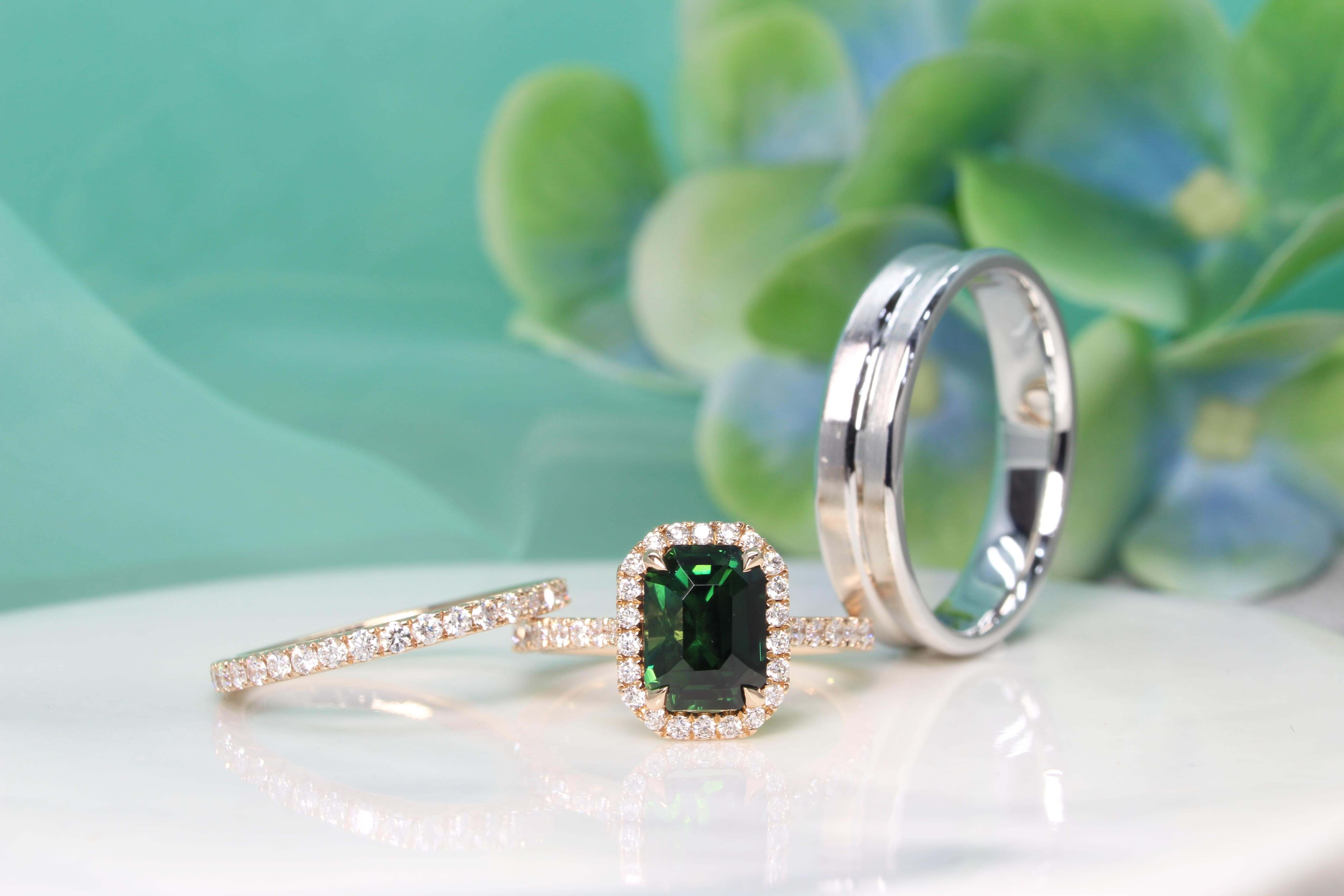 Teal Sapphire Wedding Rings, Blue green sapphire colour shade sapphire gemstone customised with halo diamond. Wedding bands is crafted in platinum gold and rose gold diamond bands   Local Singapore Custom made Jeweller in unheated sapphire gemstone and wedding jewellery