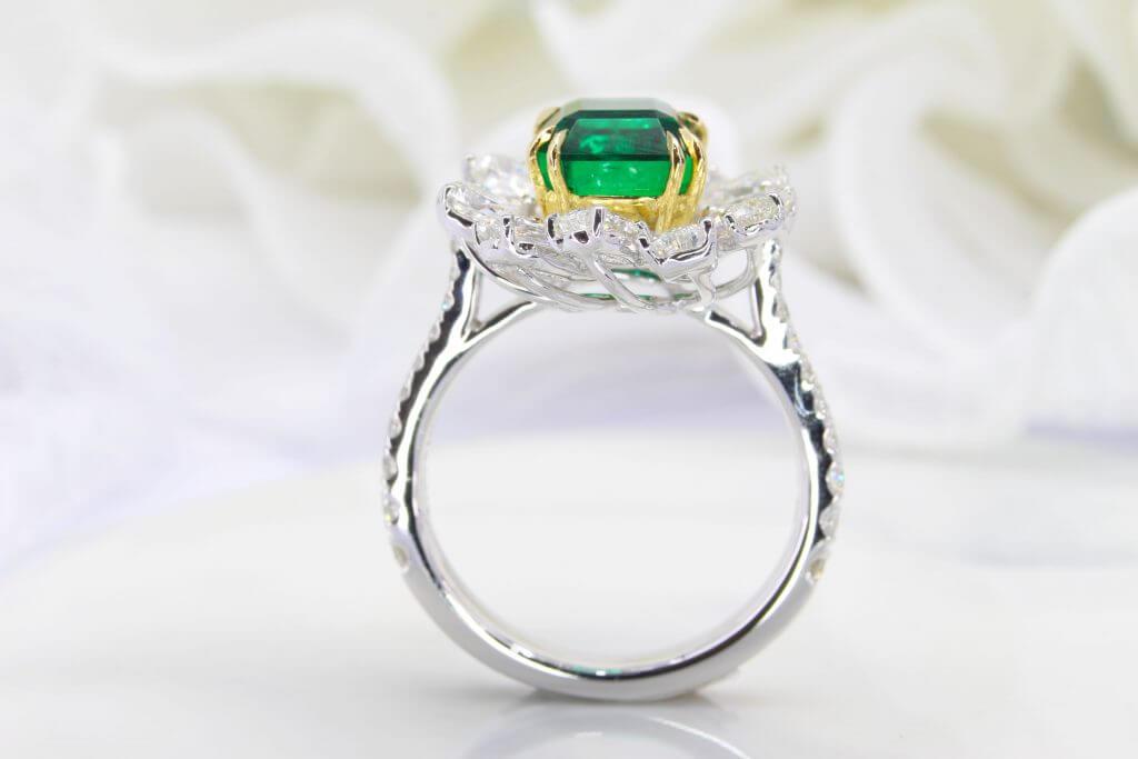 None Oil Emerald Jewellery