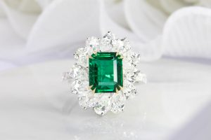 High Jewelry Emerald With Pear Halo Diamond Ring