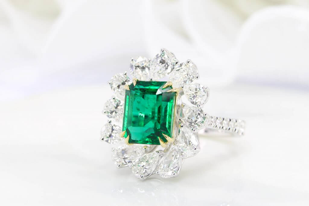 High Jewelry - Emerald Ring
